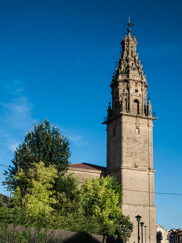 Bodegas Ondalán. Torre iglesia de Oyón-Oion