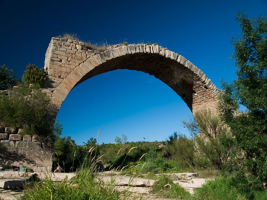 Bodegas Ondalán. Puente de Mantible